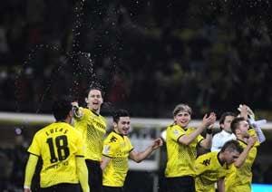Dortmund keep top position in Bundesliga