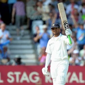 Dravid, Broad leave gripping Test in balance