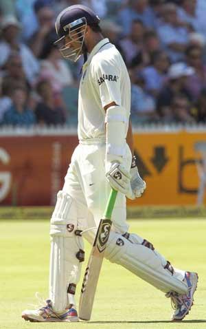 Veterans fail, Kohli only batsman to sparkle