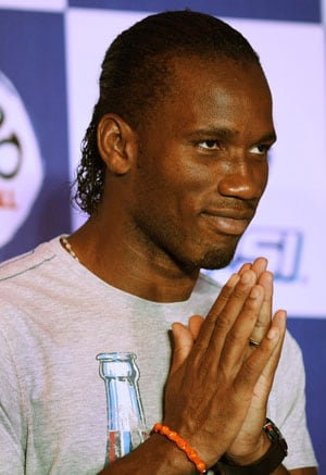 Star footballer Didier Drogba feels Dhoni is a good leader