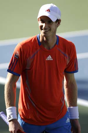 Murray into quarterfinals at Dubai Championships
