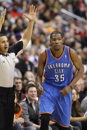 Durant rallies Thunder past Sixers