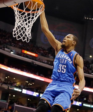 Thunder holds on beat Clippers as leaders clash
