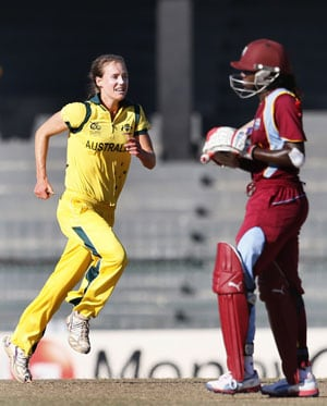 Australia to play England in women's T20 final