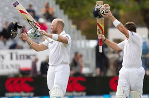 Determined England salvage draw in 1st Test against New Zealand