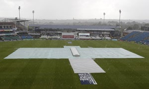 England vs South Africa: Rain puts dampener on Headingley Test