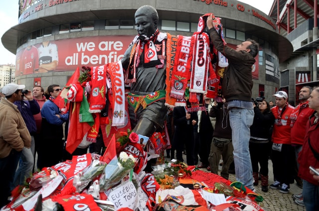 World mourns Eusebio ahead of Monday's funeral