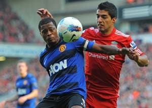 Dalglish stirs up Suarez debate again