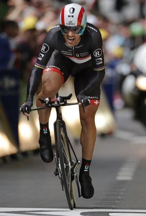 Fabian Cancellara wins prologue of 99th Tour de France