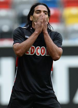 Radamel Falcao 'faked' his age, say reports