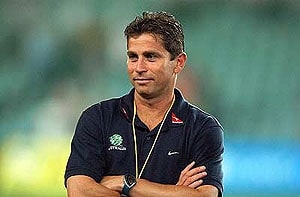 Struggling Sydney FC appoint Frank Farina as coach