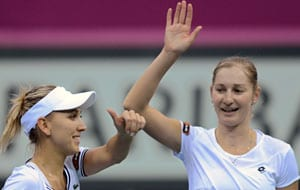 Russia beat Japan 3-2 to make Fed Cup semis
