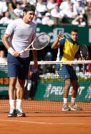 French Open 2013: Jo-Wilfred Tsonga stuns Roger Federer to reach semi-finals
