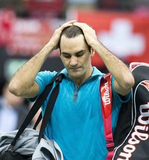 Roger Federer stunned by Julien Benneteau in Rotterdam