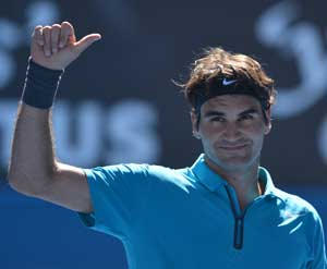 Roger Federer cruises into second round at Open