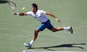 Federer to face Roddick as Clijsters crashes out
