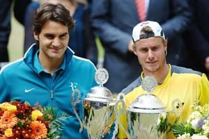 Federer to face Hewitt in Davis Cup clash
