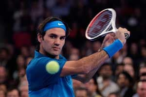 Federer advances at Indian Wells
