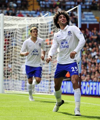 Everton should rethink stance on Baines, Fellaini, feels Man United manager David Moyes
