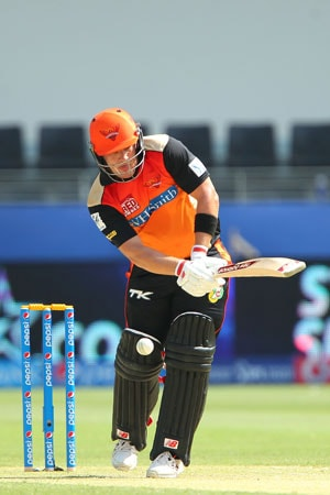 IPL 7: Sunrisers Hyderabad batsmen David Warner, Aaron Finch reprimanded for dissent