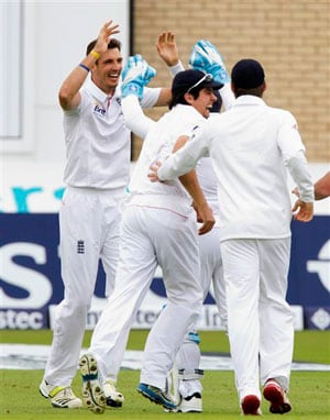 Ashes 2013: England face tough choice over second Test bowling attack