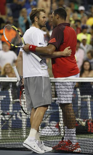 Fish struggles but Tsonga prevails