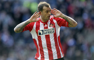 Fletcher scores as Sunderland win at last, against Wigan