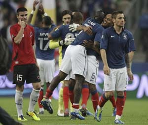 France down Albania to close in on Euro 2012