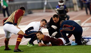 Francesco Totti set for scans after thigh injury