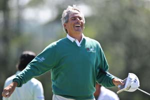 Age-defying Fred Couples shares Masters lead