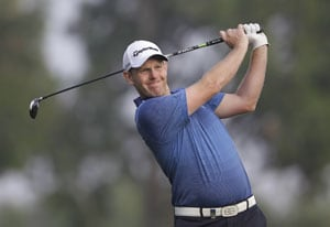 Stephen Gallacher takes 2-shot lead over Rory McIlroy in Dubai Desert Classic