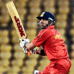 Gambhir, Pathan take India Red to Challenger Series final