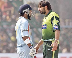Avoid confrontations: Ex-Pakistan players warn team against India