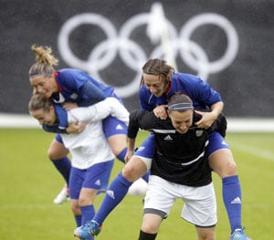 Women's football kicks off London Games