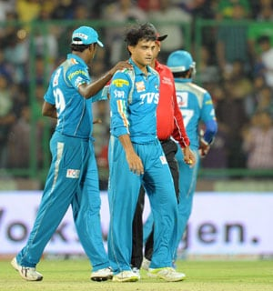 Yuvraj celebrates Pune Warrior's win and 'Ganguly's hair'