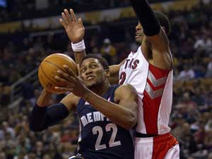 Rudy Gay scores 23 points as Grizzlies beat Raptors