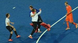 London 2012: Germany win thriller to defend hockey gold