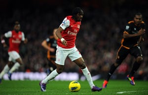 Arsenal held by 10-man Wolves