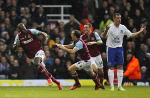 Everton to appeal over Gibson red card