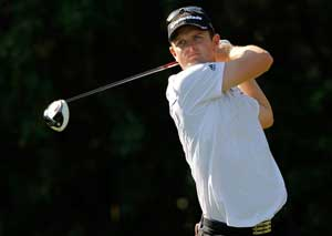 Rose, Gillis share lead with McIlroy lurking