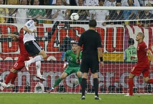 Euro 2012: Mario Gomez gives Germany 1-0 win over Portugal
