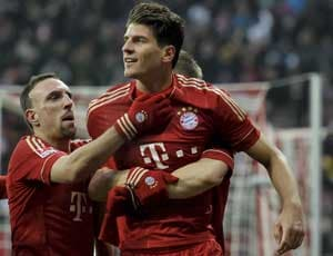 Bayern on top with unconvincing victory over Wolfsburg