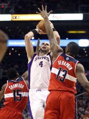 Gortat, Nash, Frye lead Suns over Wizards 104-88