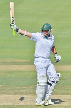 2nd Test, Day 2:  Graeme Smith double ton, AB de Villiers power South Africa to 361-run lead