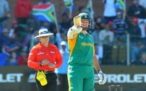 South Africa stifle Australia to level series
