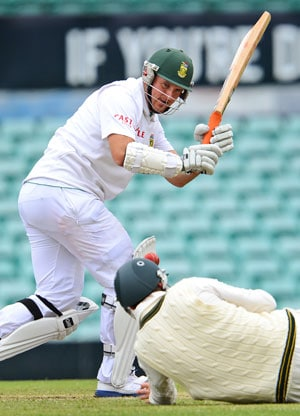 Graeme Smith prepares for another mark, another victory