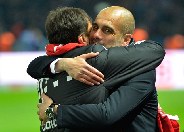 F.C. Bayern Munich coach Pep Guardiola praises former manager Jupp Heynckes after title win