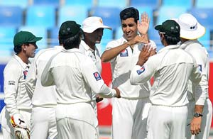 2nd Test: Pakistan bowl out Sri Lanka for 239