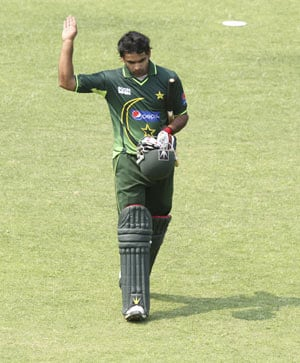 1st T20: Hafeez sets up a big win against Zimbabwe
