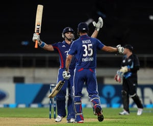 England stroll to T20 series win over New Zealand